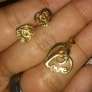 18k Saudi Gold Earring and Pendant